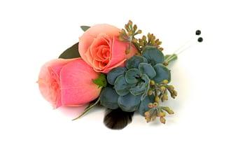 minneapolis-florist-wedding-feathers