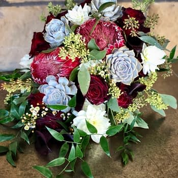 Wedding-florist-minnesota-bridal-bouquet-succulant-rose-calla
