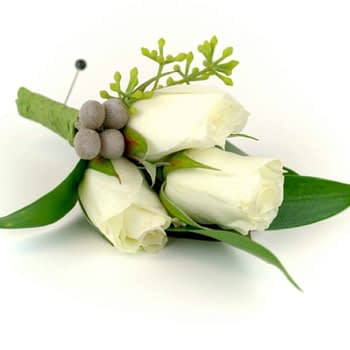 wedding-boutonniere-minneapolis-st-paul-roses-berries