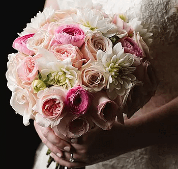 bridal-bouquet-wedding-flowers-minneapolis-roses