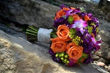 bouquets-gorgeous-wedding-minneapolis